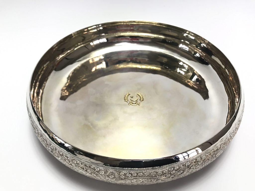 【銀製 洋食器】KASHMIR・SILVER WORKS「サービング・レリーフプレート」を買取り致しました。