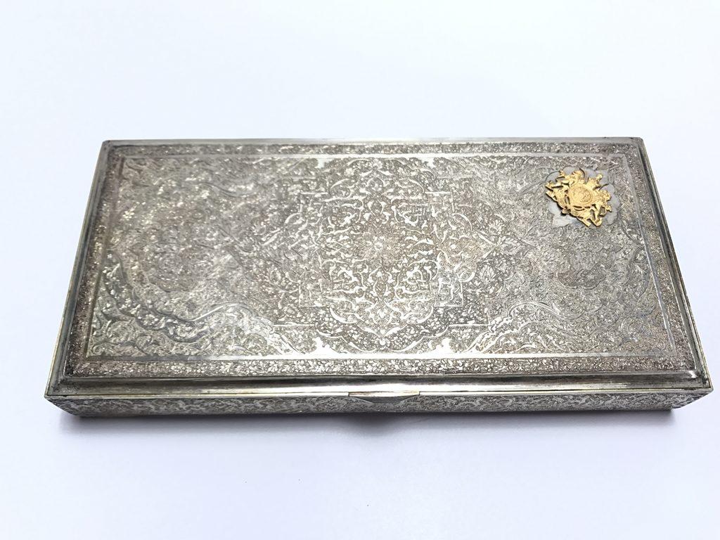 【金工品その他】「アンティーク調銀製レリーフボックス」を買取り致しました。