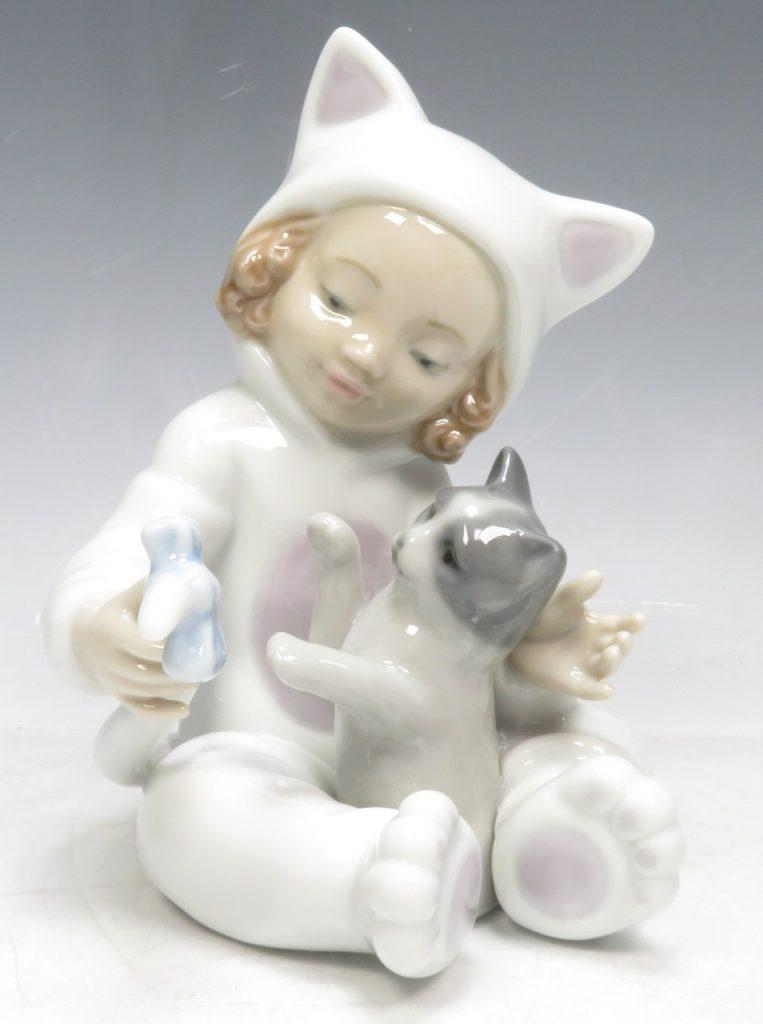 【リヤドロ】LLADRO「少女と猫」を買取り致しました。
