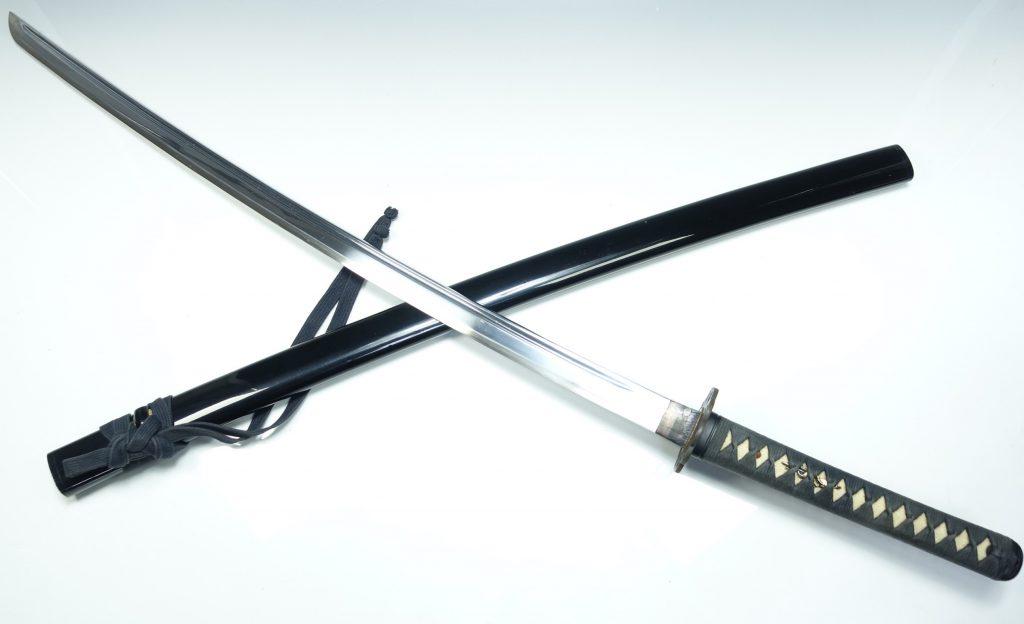 【刀剣・刀装具その他】 無銘「同田貫 黒艶鞘模造刀」を買取り致しました。
