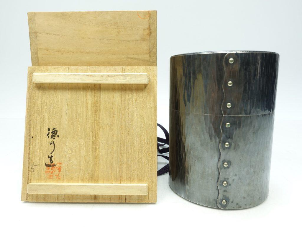 【銀製 煎茶道具】徳行堂「鎚起肌 純銀製茶筒」を買取り致しました。