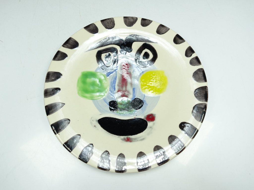【西洋美術・その他】パブロ・ピカソ皿2点(顔・闘牛)を買取り致しました。