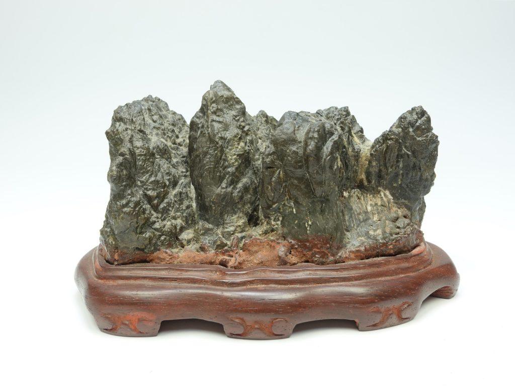 【水石・鑑賞石】古谷石 「寿山」を買取り致しました。