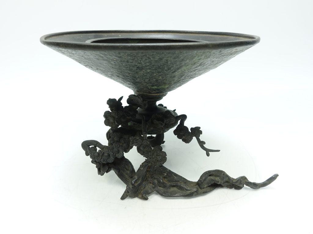【中国銅器】無銘「銅器花器登龍」を買取り致しました。