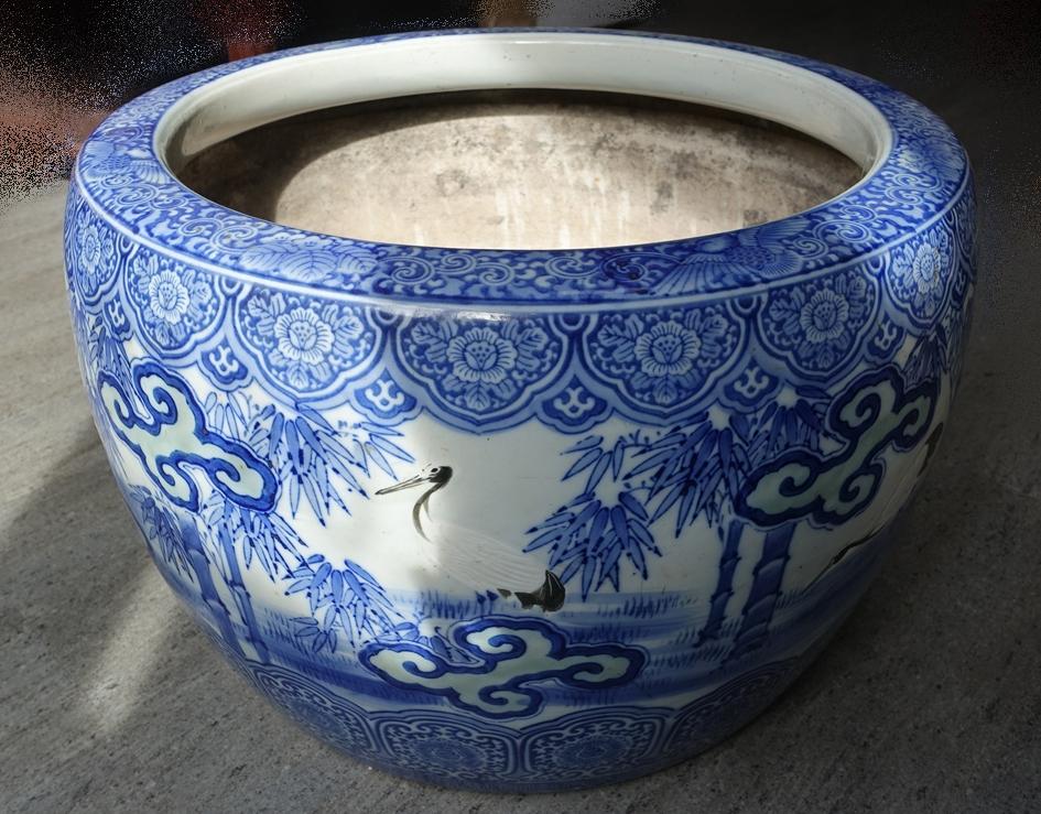 【火鉢】無銘「松鶴図染付火鉢」を買取り致しました。