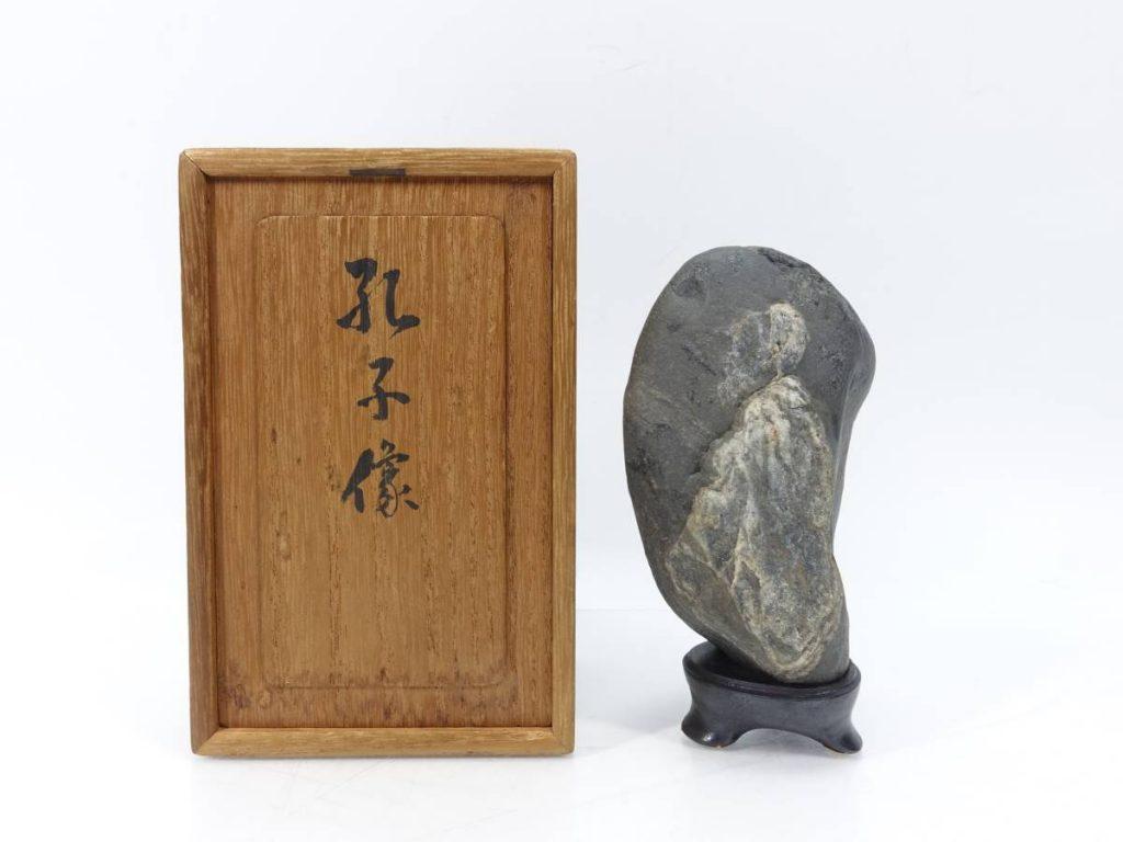 【水石】 揖斐川石 「銘:孔子像」を買取り致しました。