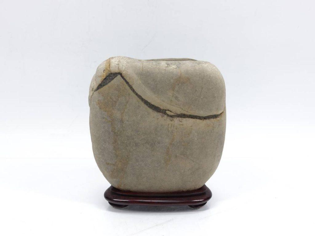 【水石】 揖斐川石 「銘:富岳」を買取り致しました。