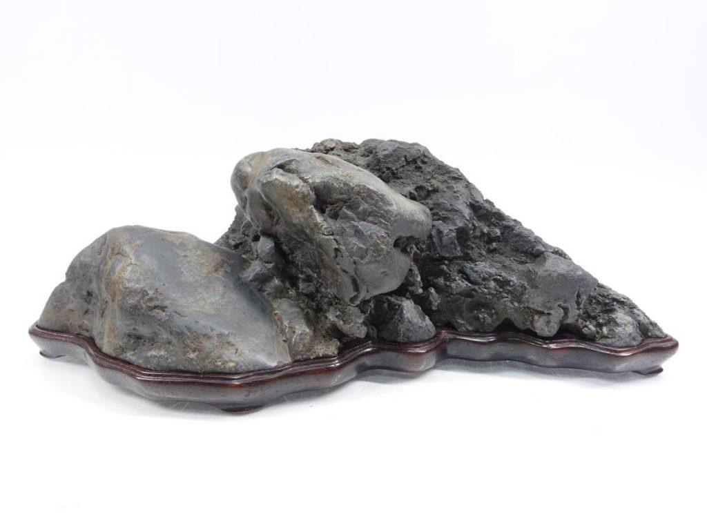 【水石】 揖斐川石 島形石を買取り致しました。