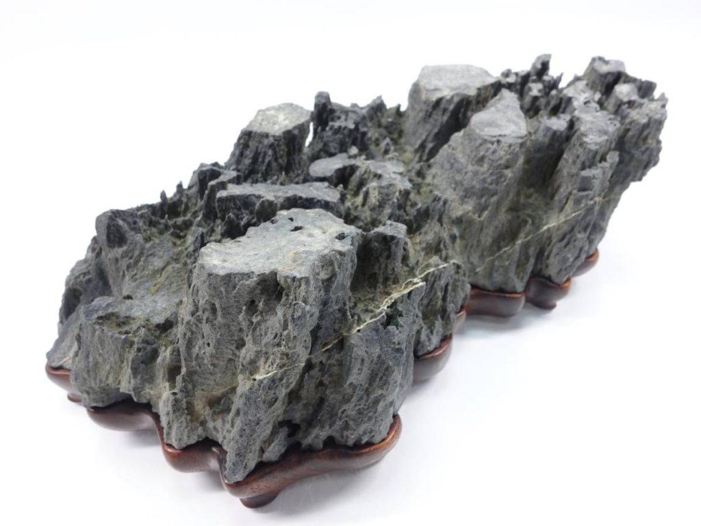 【水石】 古谷石 段石を買取り致しました。