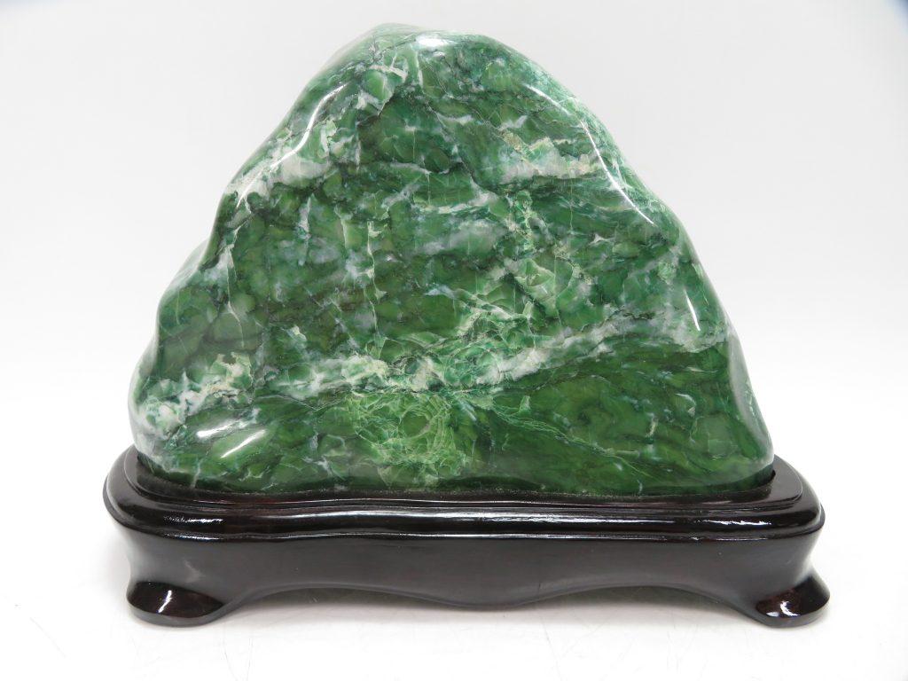 【鉱石】ネフライト「磨き石(全長33㎝)」を買取り致しました。