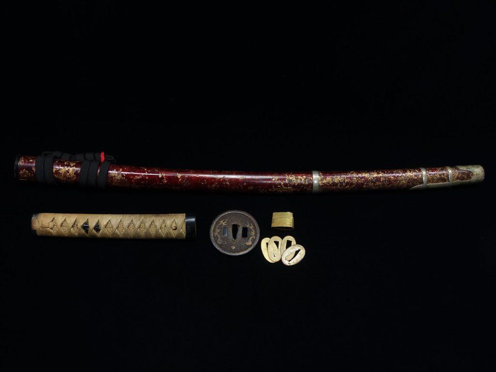 【刀装具・その他】 拵え「金斑模様赤鞘拵」 を買取り致しました。