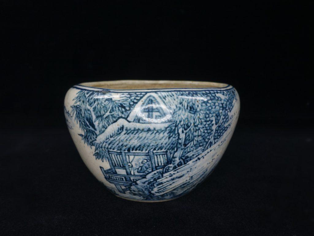 【骨董品 その他】佐野大助「染付山水図盆栽鉢」を買取り致しました。